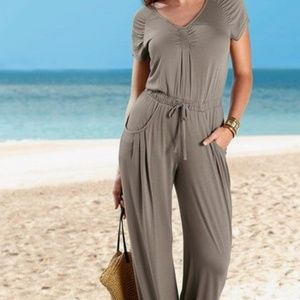 🌸Last One DRAWSTRING WAIST JUMPSUIT in Taupe🌸